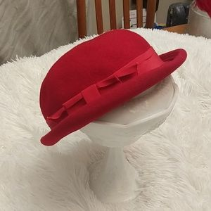 Red vintage hat with a bow
